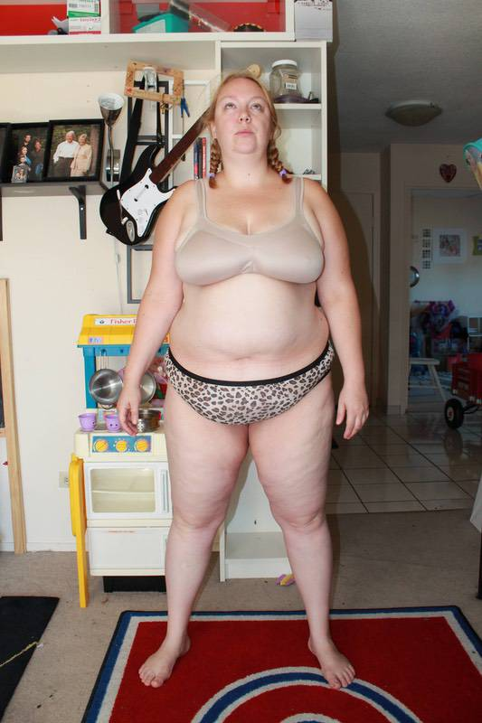 4 Photos of a 265 lbs 5 foot 7 Female Weight Snapshot