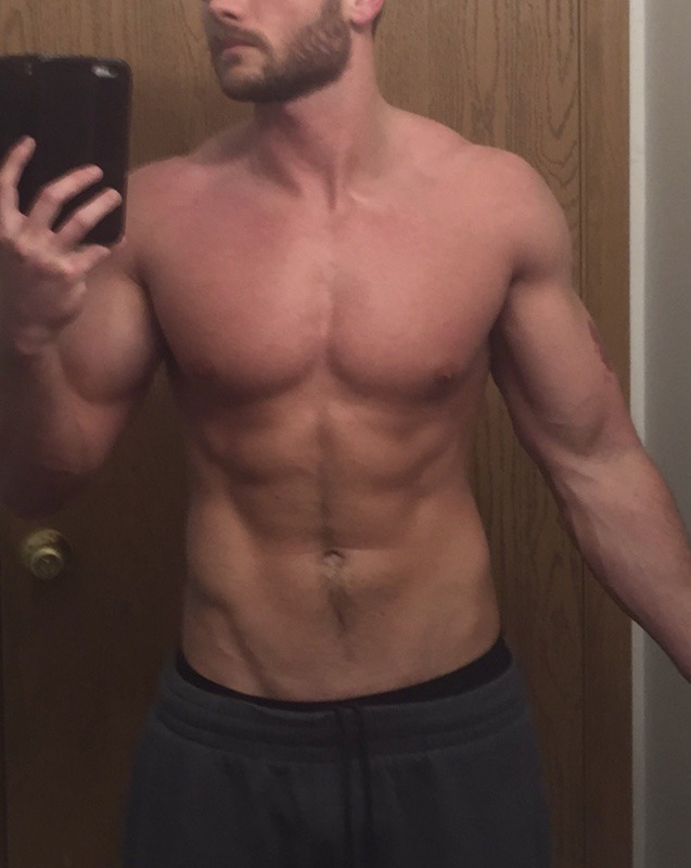 Before and After 35 lbs Muscle Gain 5 foot 10 Male 135 lbs to 170 lbs