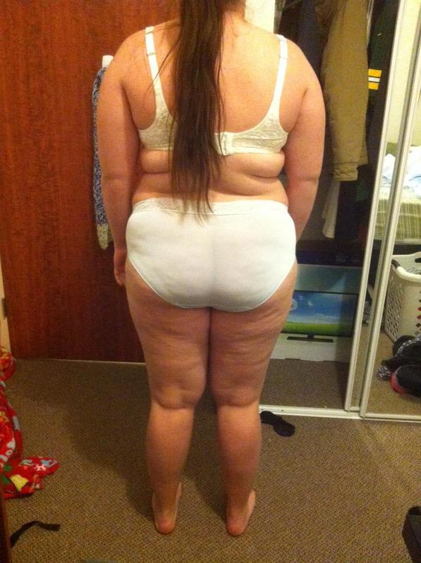 4 Photos of a 220 lbs 5 feet 6 Female Weight Snapshot
