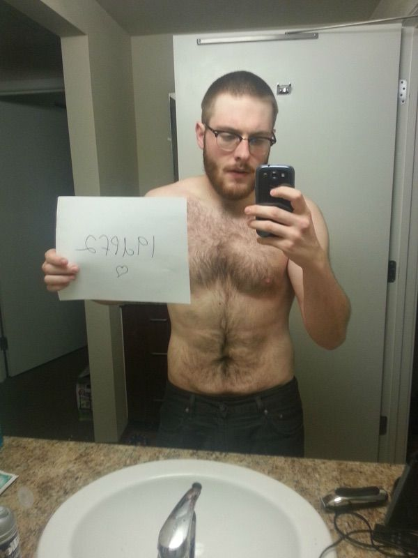 4 Pictures of a 5'9 185 lbs Male Fitness Inspo
