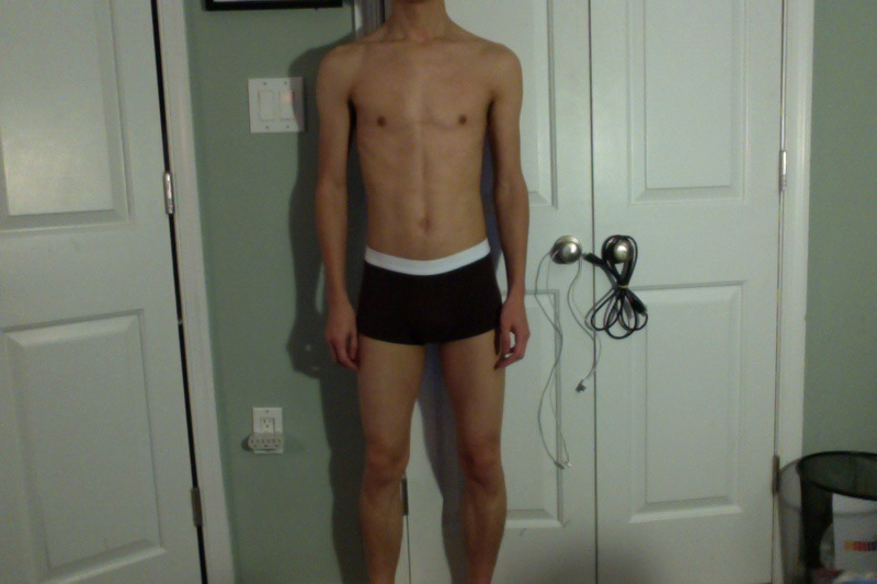 4 Pictures of a 110 lbs 5 foot 8 Male Fitness Inspo