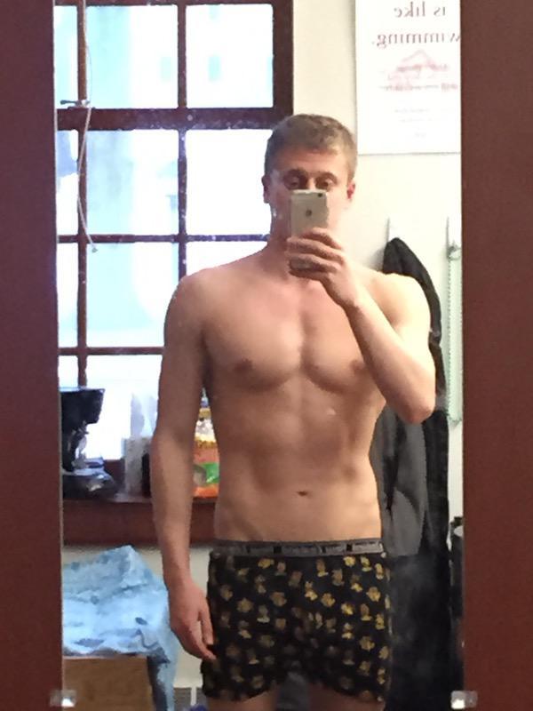 Progress Pics of 11 lbs Muscle Gain 5 feet 7 Male 139 lbs to 150 lbs