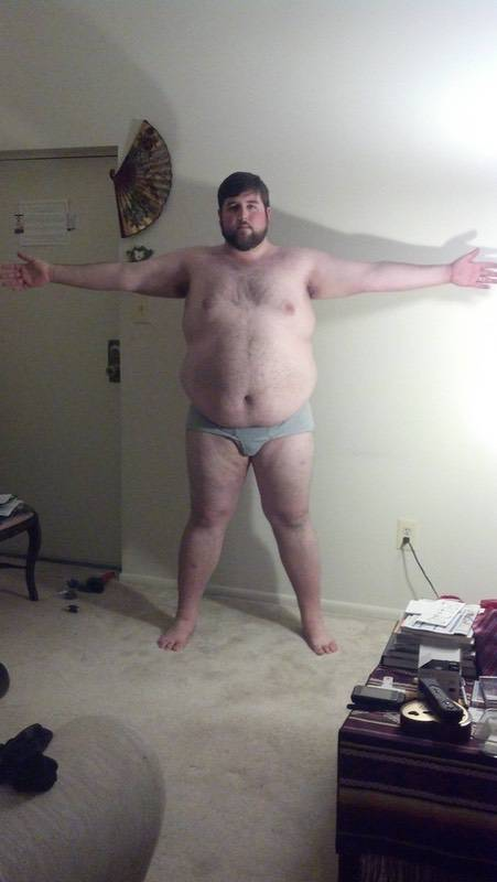 4 Pictures of a 6 foot 4 410 lbs Male Fitness Inspo