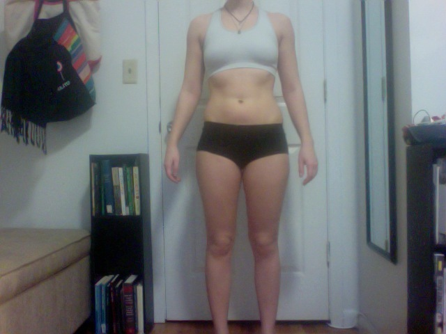 4 Pictures of a 126 lbs 5 feet 4 Female Fitness Inspo