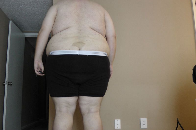 4 Pics of a 426 lbs 6 foot 3 Male Weight Snapshot