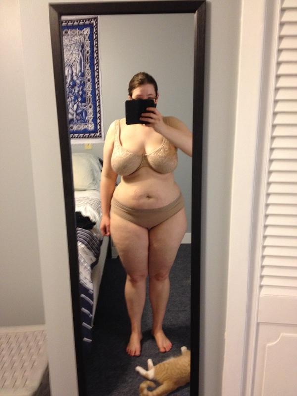 Progress Pics of 61 lbs Fat Loss 5 feet 5 Female 198 lbs to 137 lbs