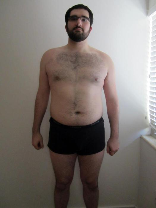 5 Pictures of a 6 foot 6 283 lbs Male Fitness Inspo