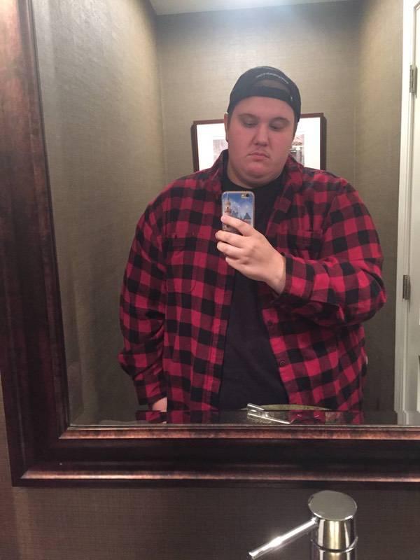 Progress Pics of 24 lbs Fat Loss 5 feet 11 Male 426 lbs to 402 lbs