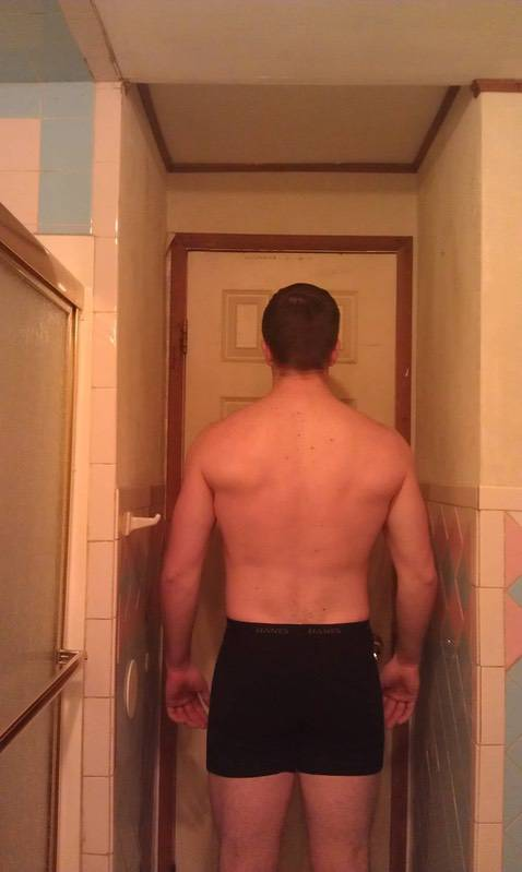 4 Photos of a 190 lbs 6'1 Male Fitness Inspo