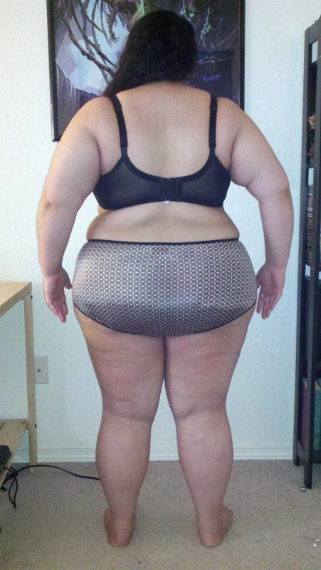 3 Photos of a 275 lbs 5'2 Female Fitness Inspo