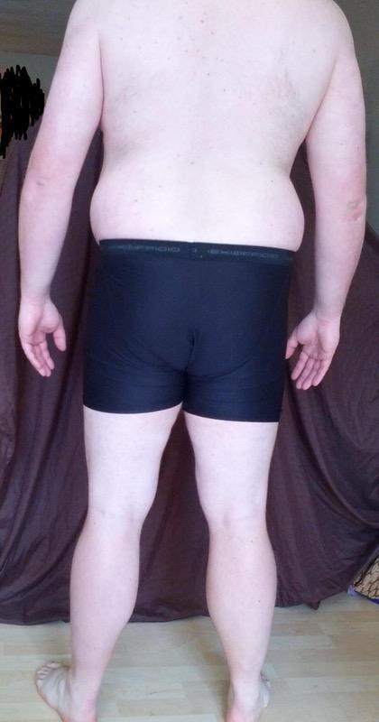 4 Photos of a 302 lbs 6 feet 3 Male Weight Snapshot