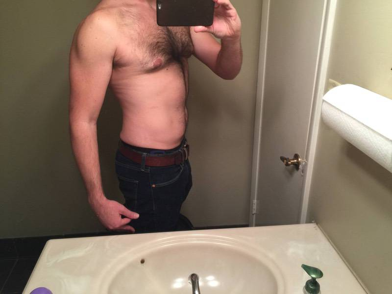 2 Photos of a 195 lbs 6 foot 1 Male Weight Snapshot