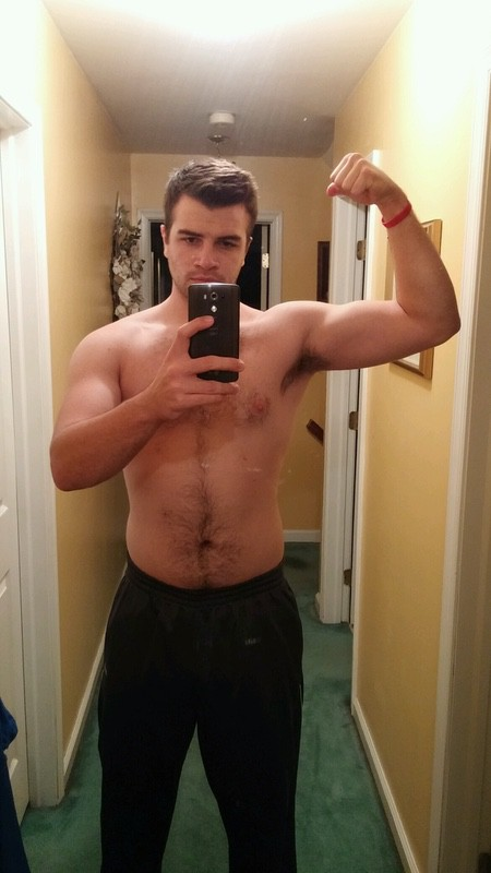 2 Pictures of a 6 foot 3 212 lbs Male Fitness Inspo