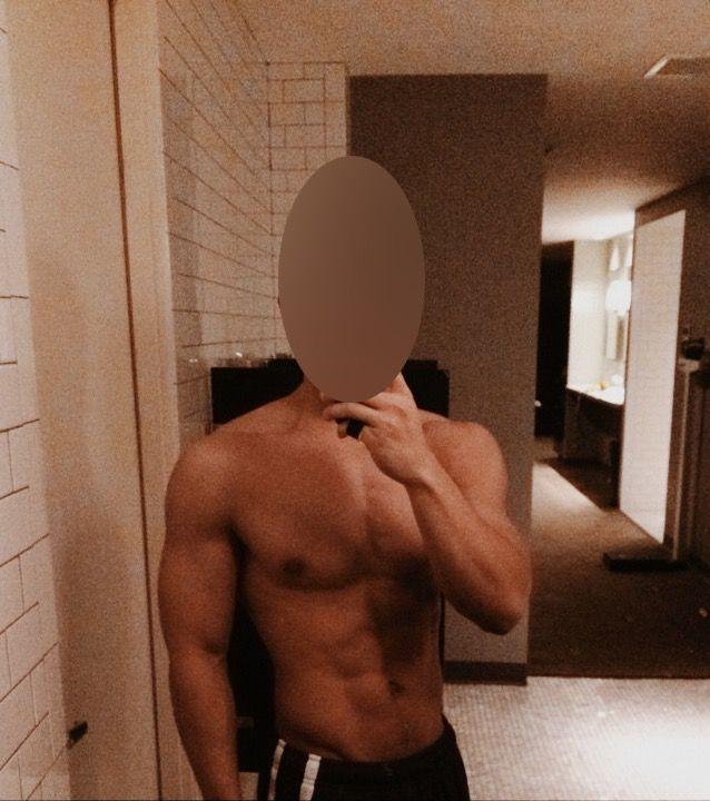 5'5 Male Progress Pics of 20 lbs Weight Gain 125 lbs to 145 lbs