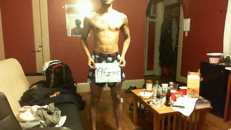 3 Photos of a 119 lbs 5 feet 8 Male Weight Snapshot