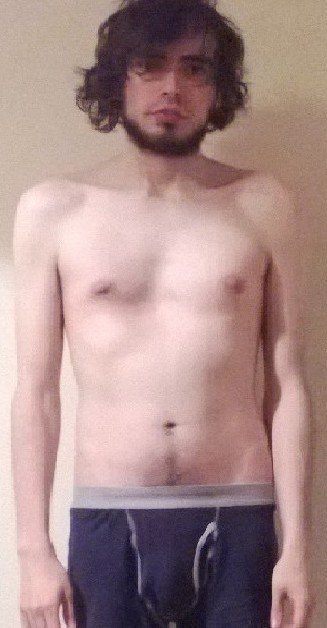2 Pictures of a 127 lbs 5 foot 8 Male Weight Snapshot